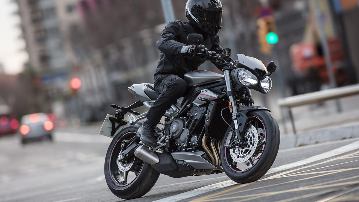 Triumph-STREET TRIPLE RS-Gallery-01